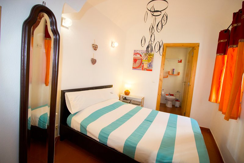 Comfy one bedroom apartment, holiday rental in Escoural