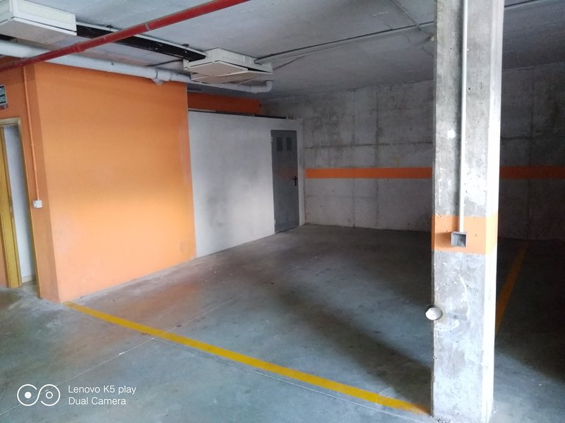 Large garage with very comfortable and safe access, up to two medium-sized cars can enter.