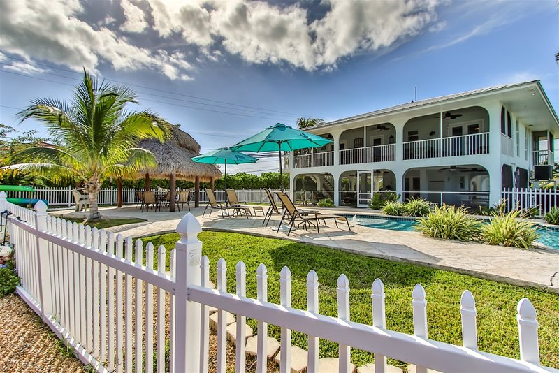 Turtle Time 3bed/3bath with pool & dockage, holiday rental in Duck Key