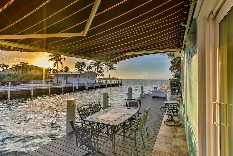 Castaway 2/2 w/ 50` Ft. Dock on the Atlantic, holiday rental in Grassy Key