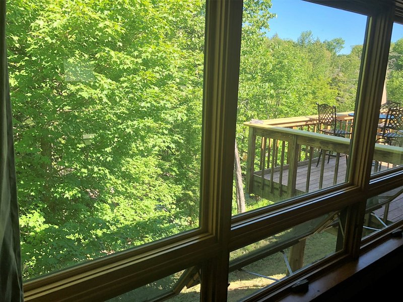 Adirondack Park Aerie on East Brook with 2 car heated garage with Internet, holiday rental in Saint Regis Falls