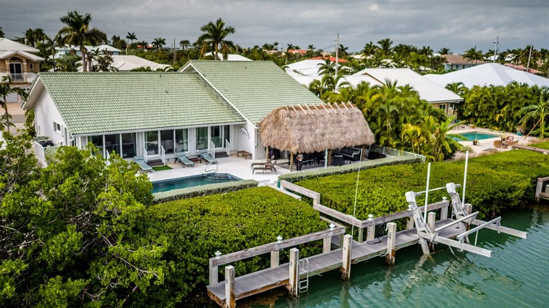 Reel `Em In 3bed/2 bath single family  with private pool & dockage, cabana club, holiday rental in Key Colony Beach