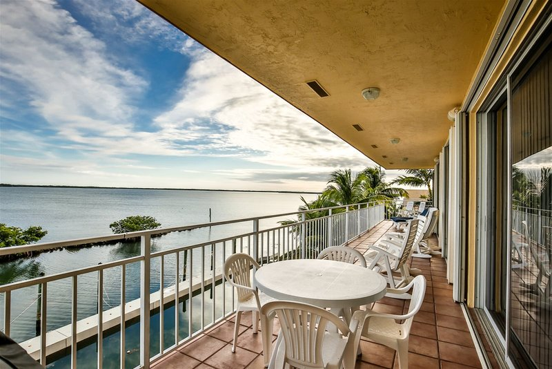 A Pirates Great Escape ~ 3bed/2baths  Ocean View Slip ~LKKB, vacation rental in Long Key