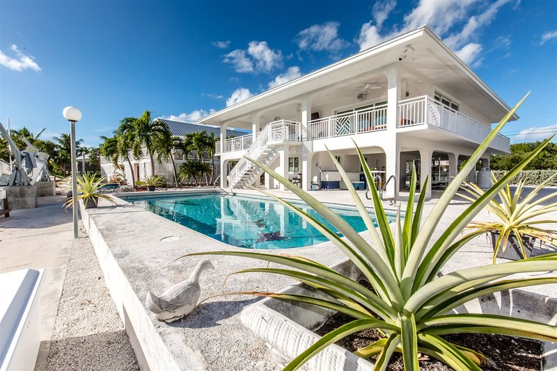 Mel's Fishing Paradise 2bed/2bath with private pool & dockage, holiday rental in Duck Key