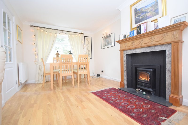 Annies Cottage, Emsworth, holiday rental in Woodmancote