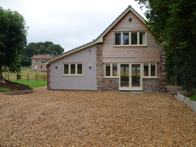 Looking towards this detached property and the owners farmhouse