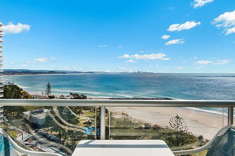 Ocean Plaza 1466 - Coolangatta Beachfront, vacation rental in Coolangatta