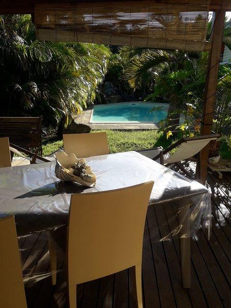 Les Gîtes de Robinson - le faré Pacifique, casa vacanza a Nuova Caledonia