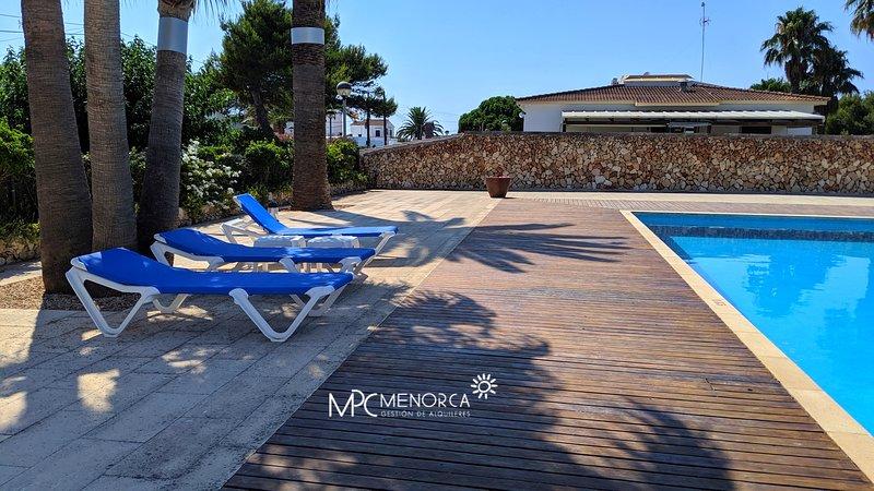 Sa Perdiu 25 | Bonito duplex, recién reformado a 200m de la playa!, holiday rental in Son Carrio