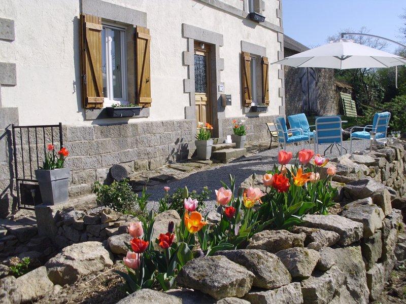 Voor de ultime vakantie bent u welkom in: Maison d'Vacance d'Amis de La-Konnet, alquiler vacacional en Charensat