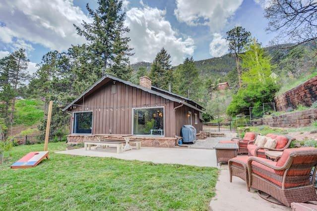 Un refugio de montaña en Colorado con un espacio excepcional para vivir al aire libre