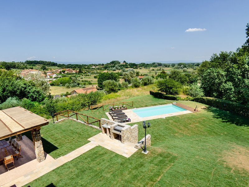 San Leonardo Villa Sleeps 10 with Pool Air Con and WiFi - 5247676, holiday rental in San Ginese