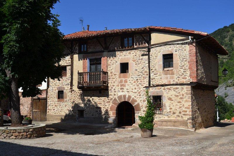 SOLAR 1709, holiday rental in Pradillo