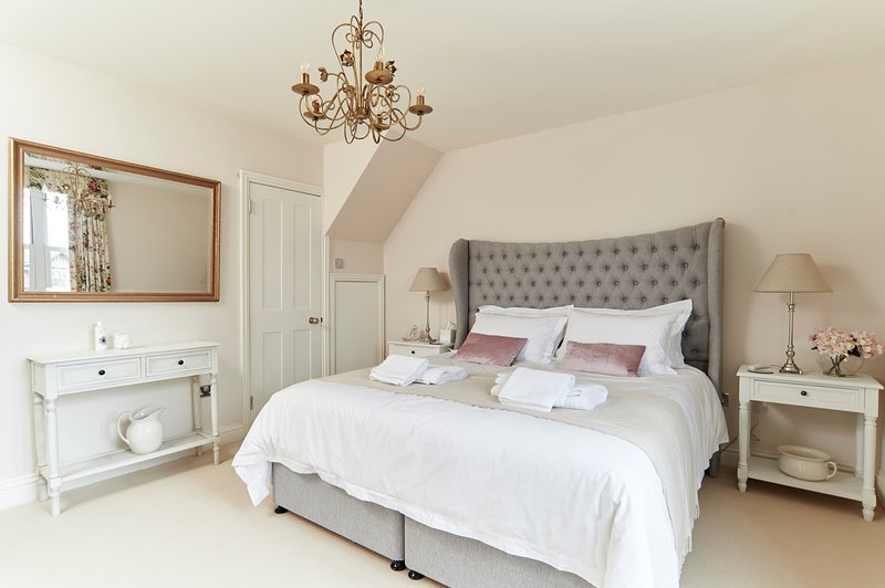 Boutique Holiday Home - Perfectly located to explore Hythe, holiday rental in Dymchurch