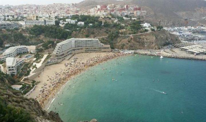 Spacious apt with sea view & garden, holiday rental in Al Hoceima