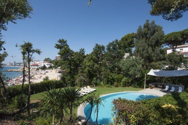 Castell-Platja d'Aro Villa Sleeps 16 with Pool and WiFi - 5782771, vacation rental in Castell-Platja d'Aro