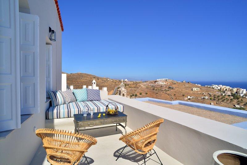 Amazing apt with sea view & terrace, location de vacances à Ano Siros