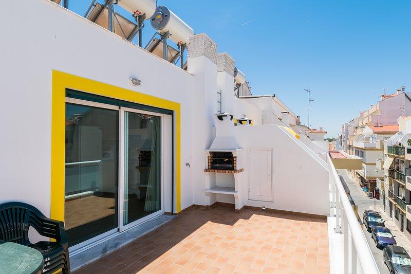 Miltonia Yellow Duplex Apartment, Monte Gordo, Algarve – semesterbostad i Monte Gordo