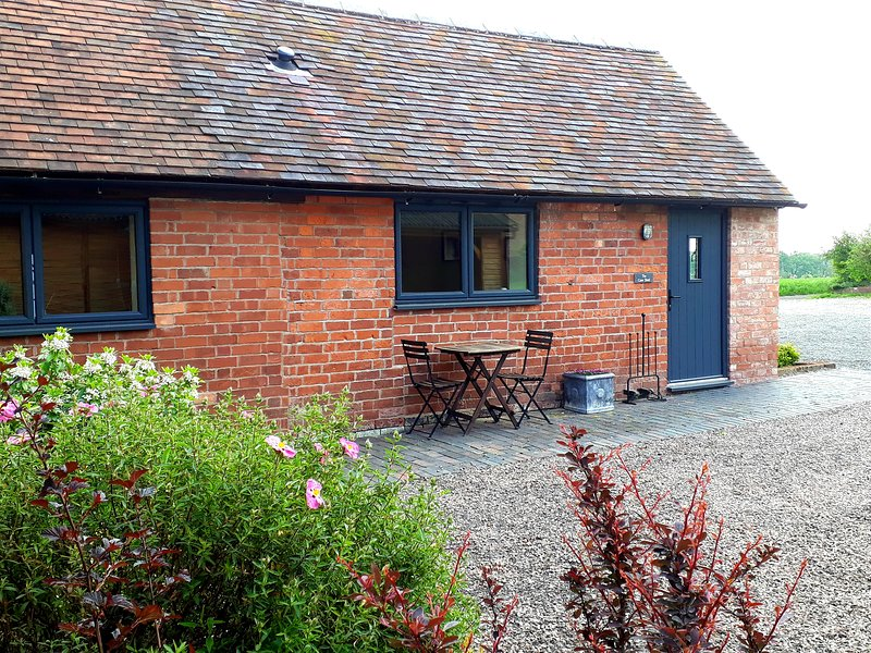 Modern barn conversion, perfect for two, close to Kenilworth, Warwickshire, vacation rental in Warwickshire