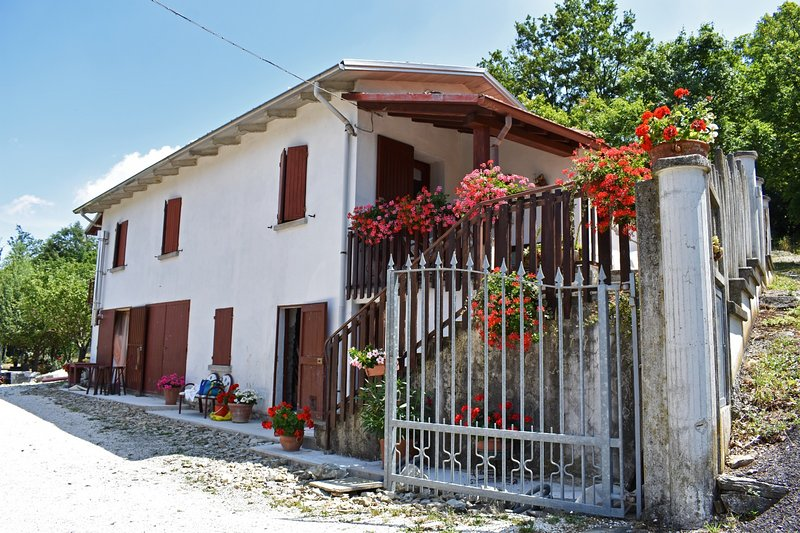 Villa Zacchi 2, vacation rental in Gropparello