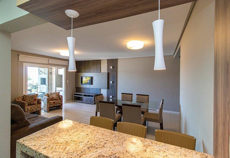 LA007EE-Apartamento para aluguel de temporada - Praia da Lagoinha, Bombinhas SC, holiday rental in Bombinhas