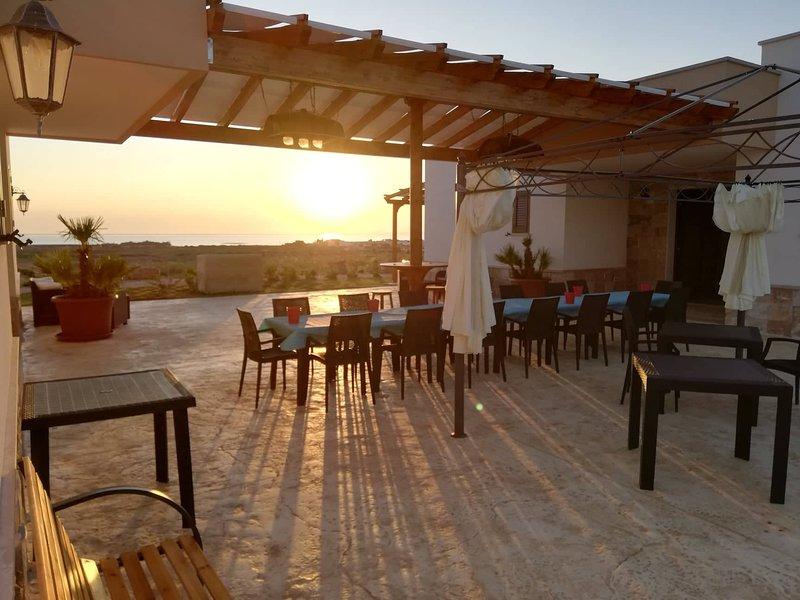 Beautiful apartment with terrace, vacation rental in Villaggio Resta