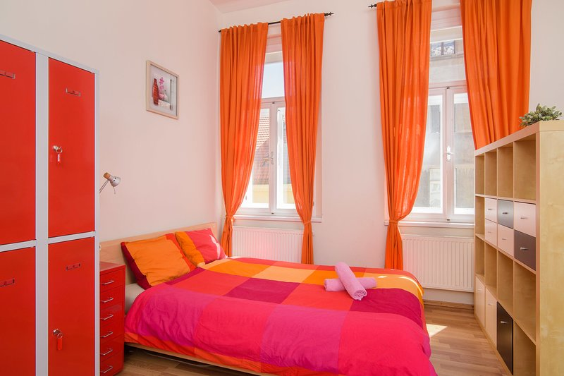 Double bed 3-4 in dormitory room in apt. TALIA., vacation rental in Prague