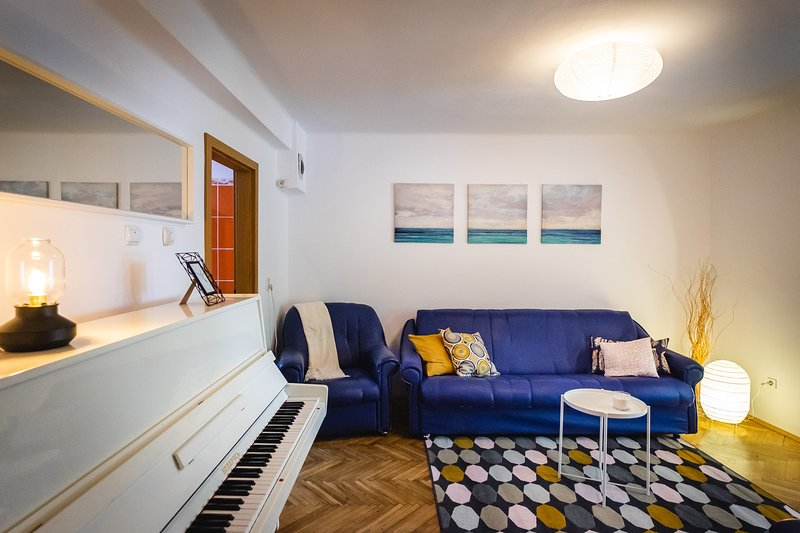 The Piano place - cosy apartment 10 minutes away from city center, location de vacances à Timisoara