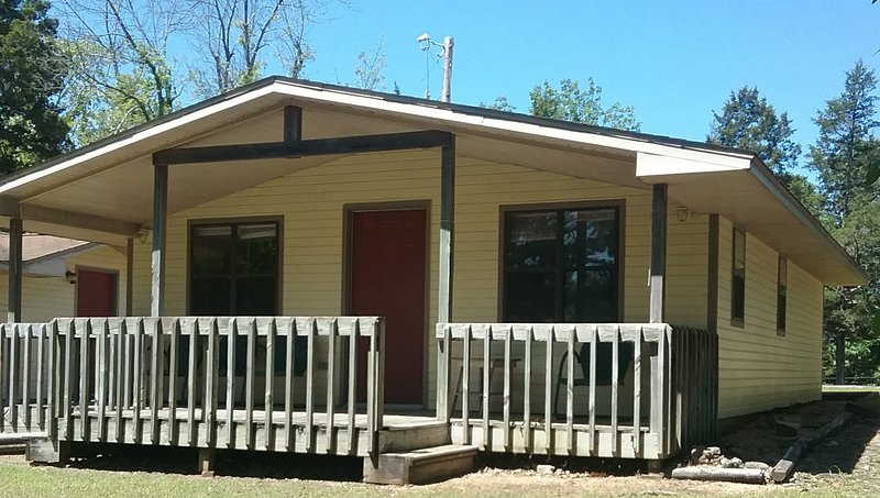 Cottage #1 mesmerizing  views of Bull Shoals Lake/ dogs stay free/boat slip, holiday rental in Bull Shoals