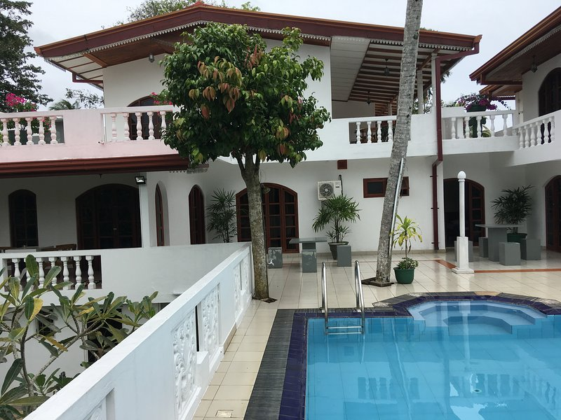 Villa Sri Pali (Private Home for you), vakantiewoning in Galle District