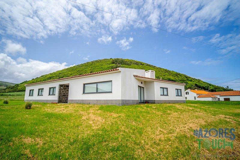 Casa da Barra, holiday rental in Graciosa