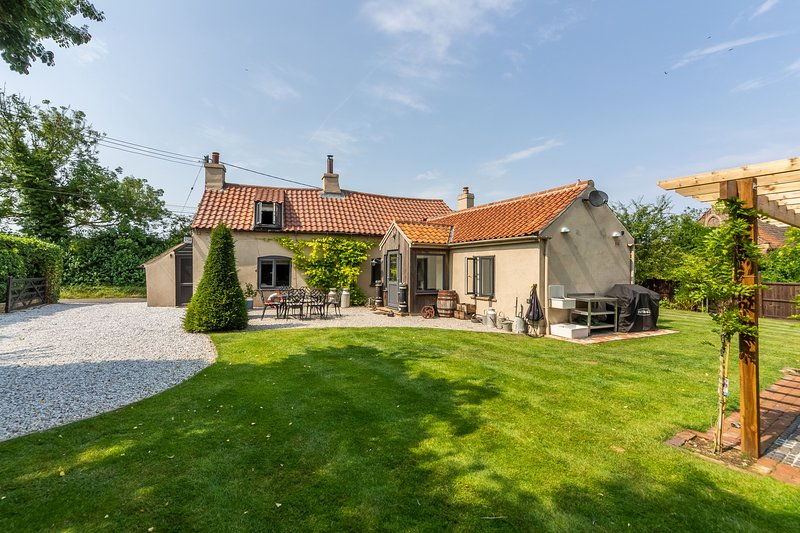 Stone Cottage, vacation rental in Field Dalling