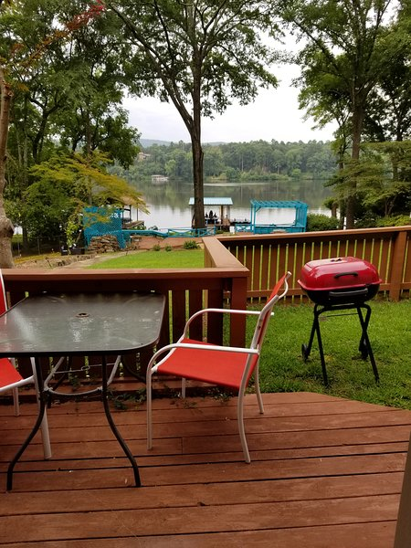 COUPLES HAMILTON LAKEFRONT RETREAT, holiday rental in Pearcy