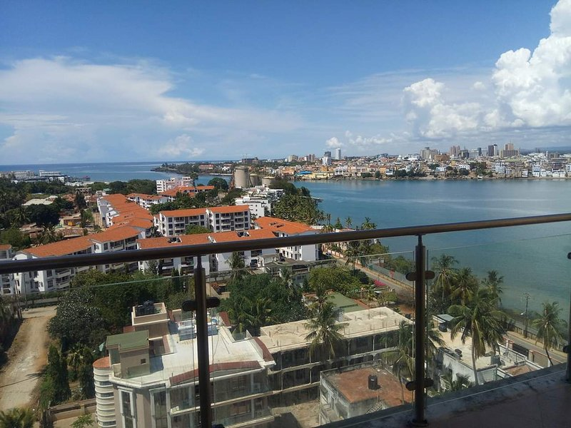 The Lofty Seaview Apartment, holiday rental in Mombasa