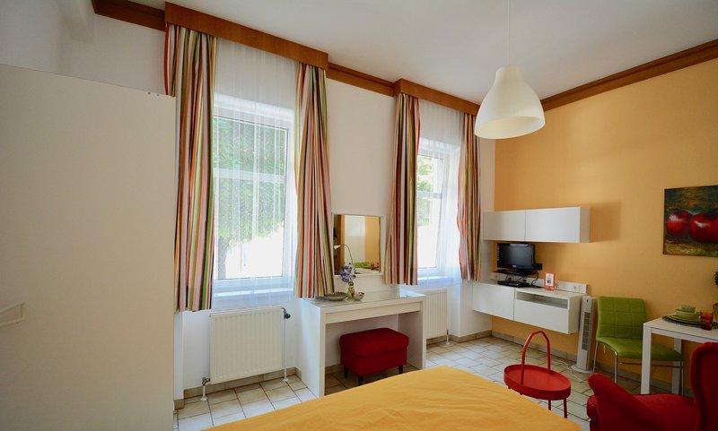#1/Comfort Apartments, holiday rental in Leopoldsdorf im Marchfelde