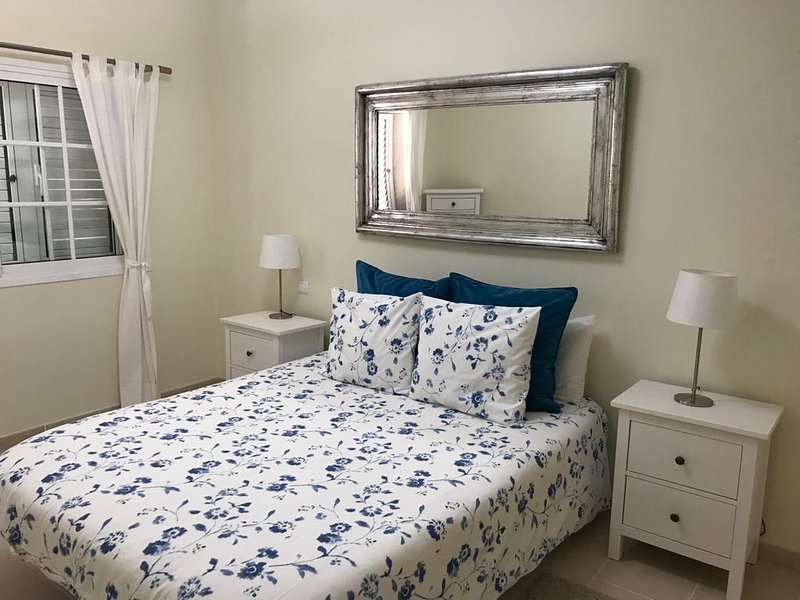 MELONERAS 2 BEDROOM HOLIDAY HOME.CLOSE TO MELONERAS BEACH, holiday rental in Meloneras