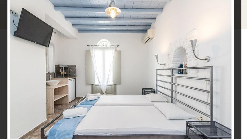 EnTinoRooms, holiday rental in Tinos Town