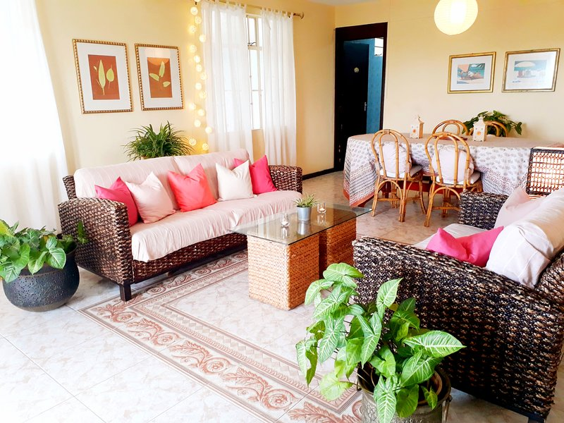 This spacious 2-bed apartment is decorated with ♥ in warm tones and natural materials.