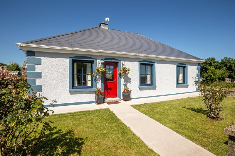 Wild Atlantic Way Cottage, holiday rental in Cloghane