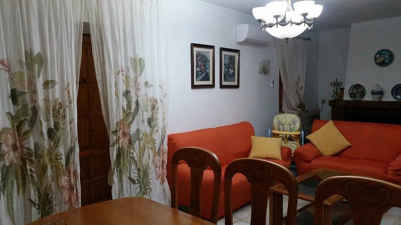 LAS VILLAS DE IVAN, holiday rental in Abla