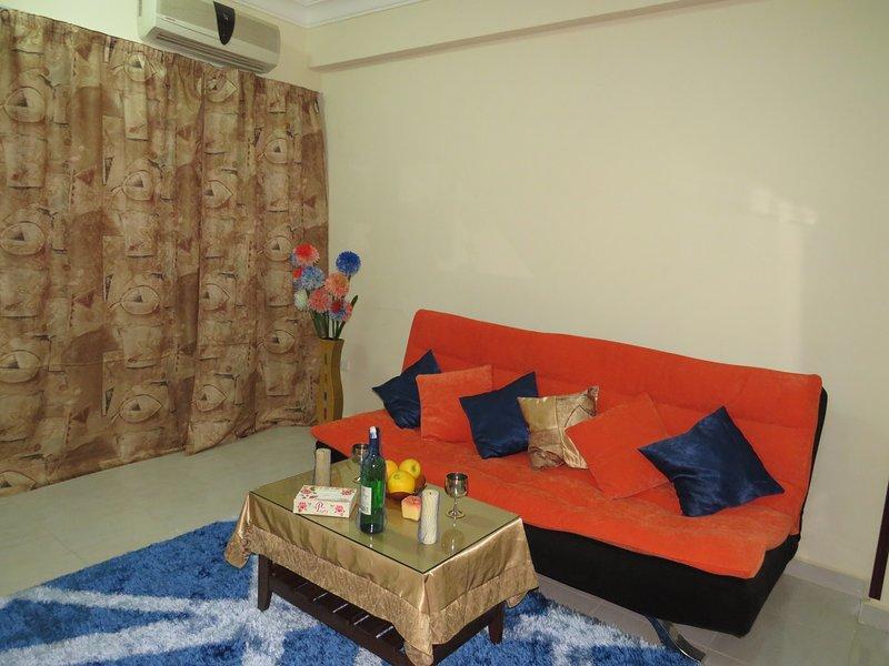 Apartment Sea World near the sea RedSeaLine., vacation rental in Hurghada