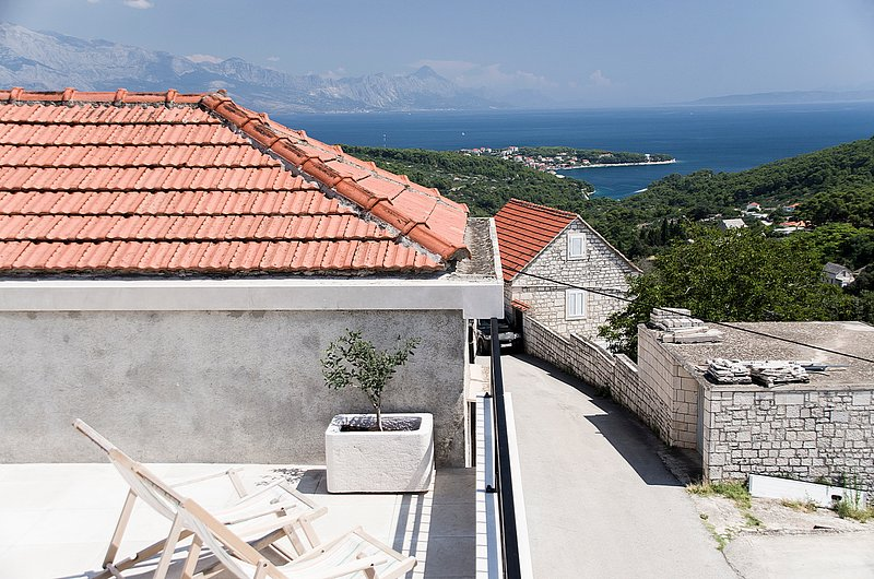 Retro chic house with pool and sea view, alquiler vacacional en Selca