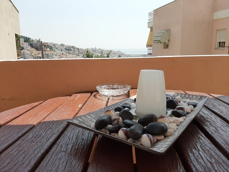 Apartment with Balcony City & Sea View+Parking, vacation rental in Kavala