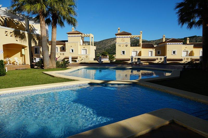 2 bed apartment, sunny terrace, pool & mountain view, vacation rental in Muntanya la Sella