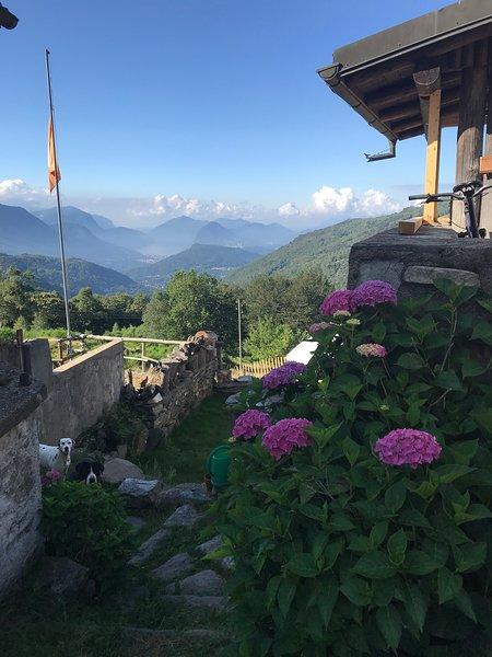 Romantic in the middle of amazing nature, location de vacances à Contone