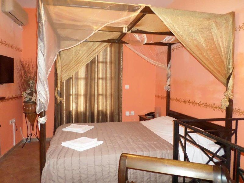 Santorious Apartments, location de vacances à Megalochori