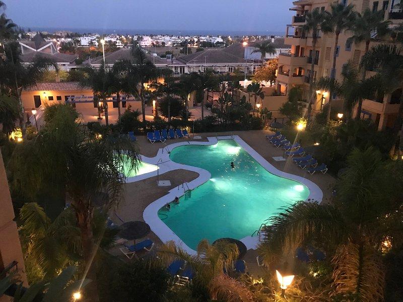 APARTAMENTO EN NUEVA ALCANTARA MARBELLA, location de vacances à Nueva Andalucia