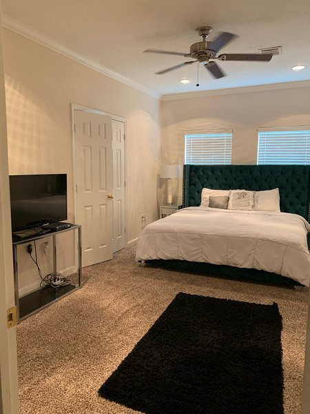 Spacious Furnished 3Bedroom Corporate Rental, vacation rental in Clodine