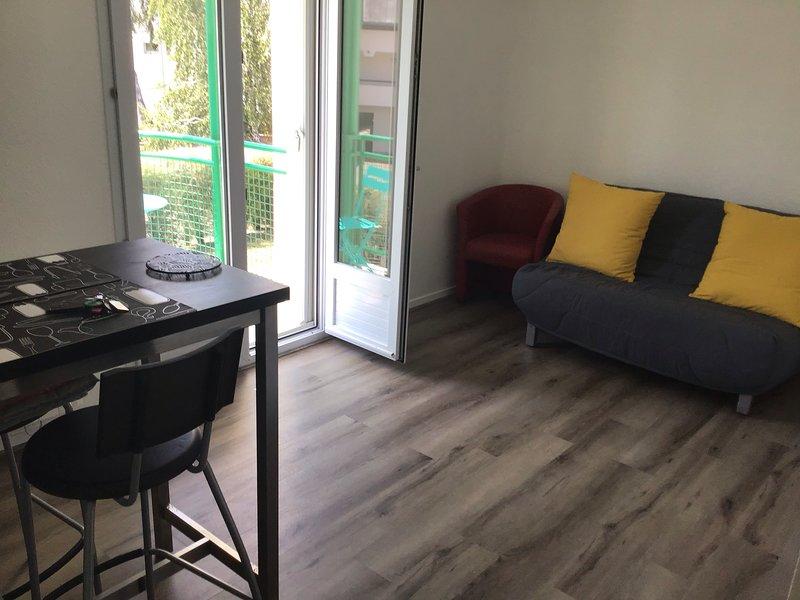 Réf. 21 VANNES CENTRE - STUDIO AU CALME, holiday rental in Saint-Ave