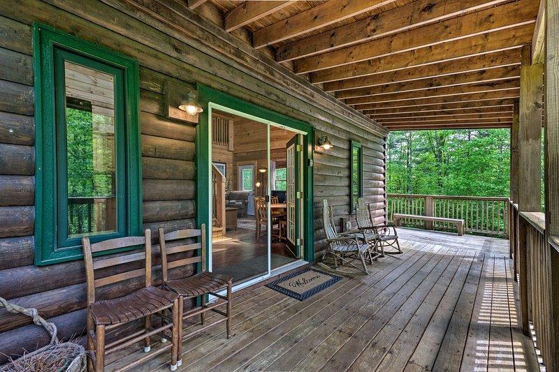 La cabina vanta 2 camere da letto, 2 bagni e sistemazioni per 10.